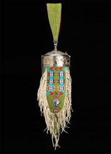 Beaded bag by Victoria Adams (Southern Cheyenne) and Kenneth Williams (Northern Arapaho/ Seneca)