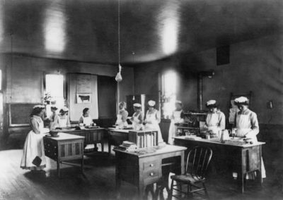 Haskell Institute domestic sciences class, c. 1900. Haskell Archives, Haskell Cultural Center and museum, Lawrence, Kansas.