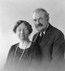 Studio portrait of the founders of the Heard Museum, Maie Bartlett Heard and Dwight Bancroft Heard.