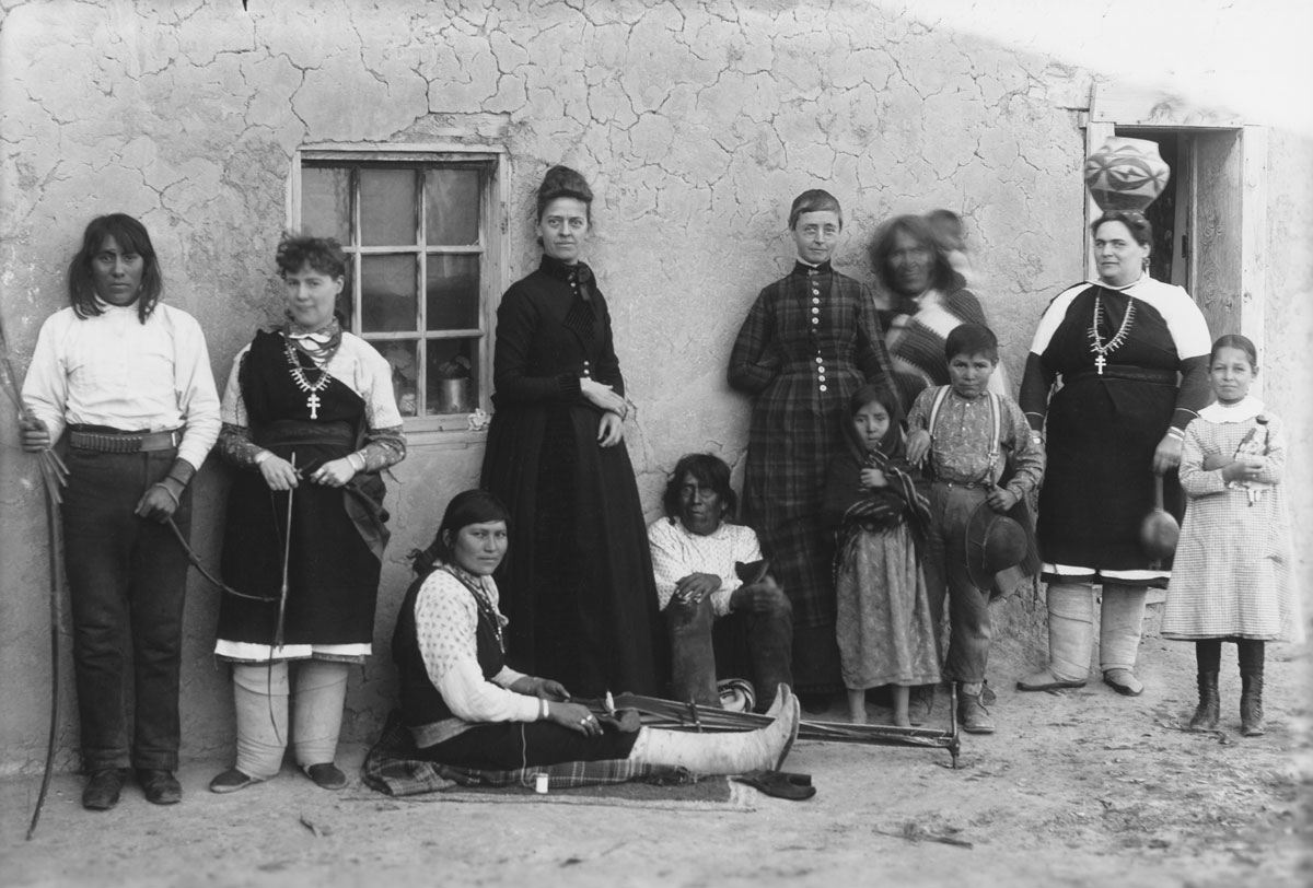 a look at women of the 19th century The role of women in 13th or 14th century  april 11, 2012  unfortunaly, death still existed back then so if a womens husband dies before she did she would look after her husbands property in.